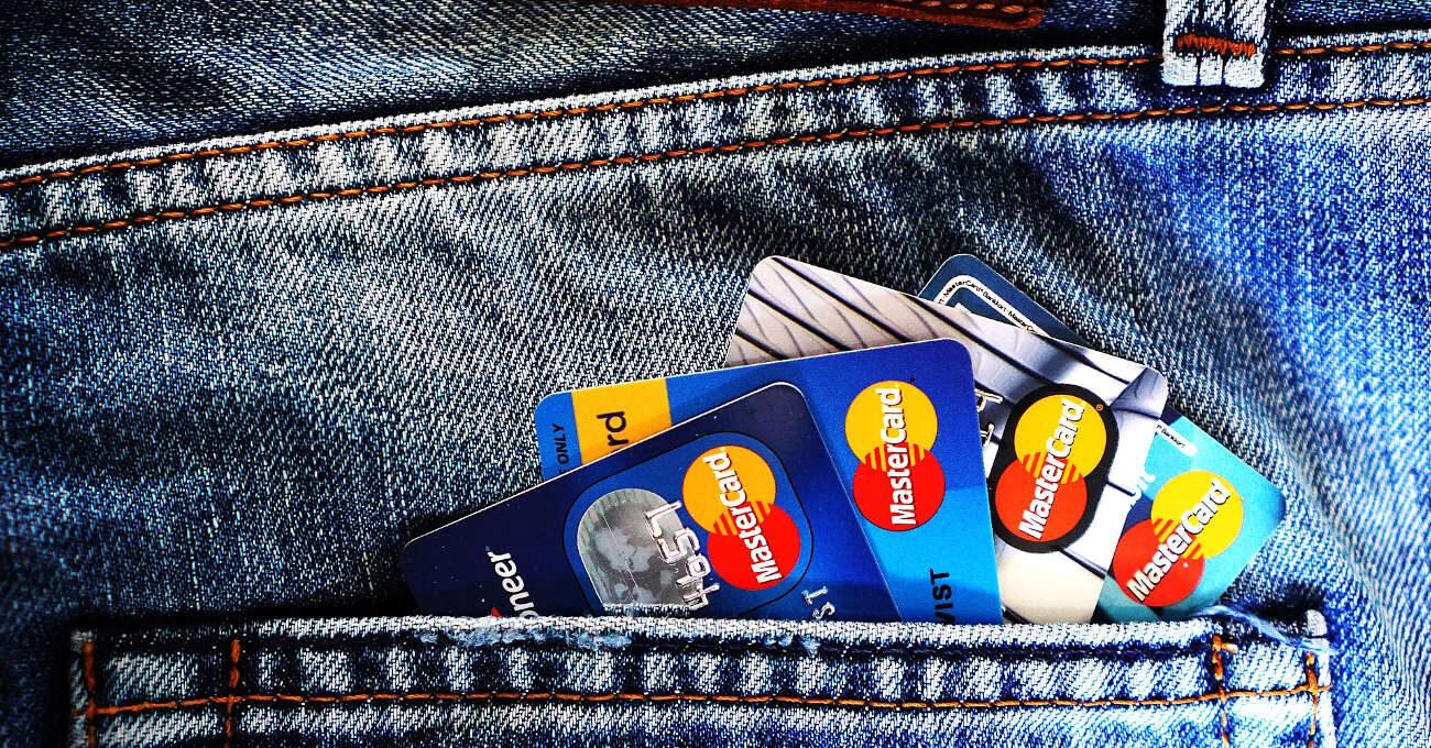 Bankártya, pénz