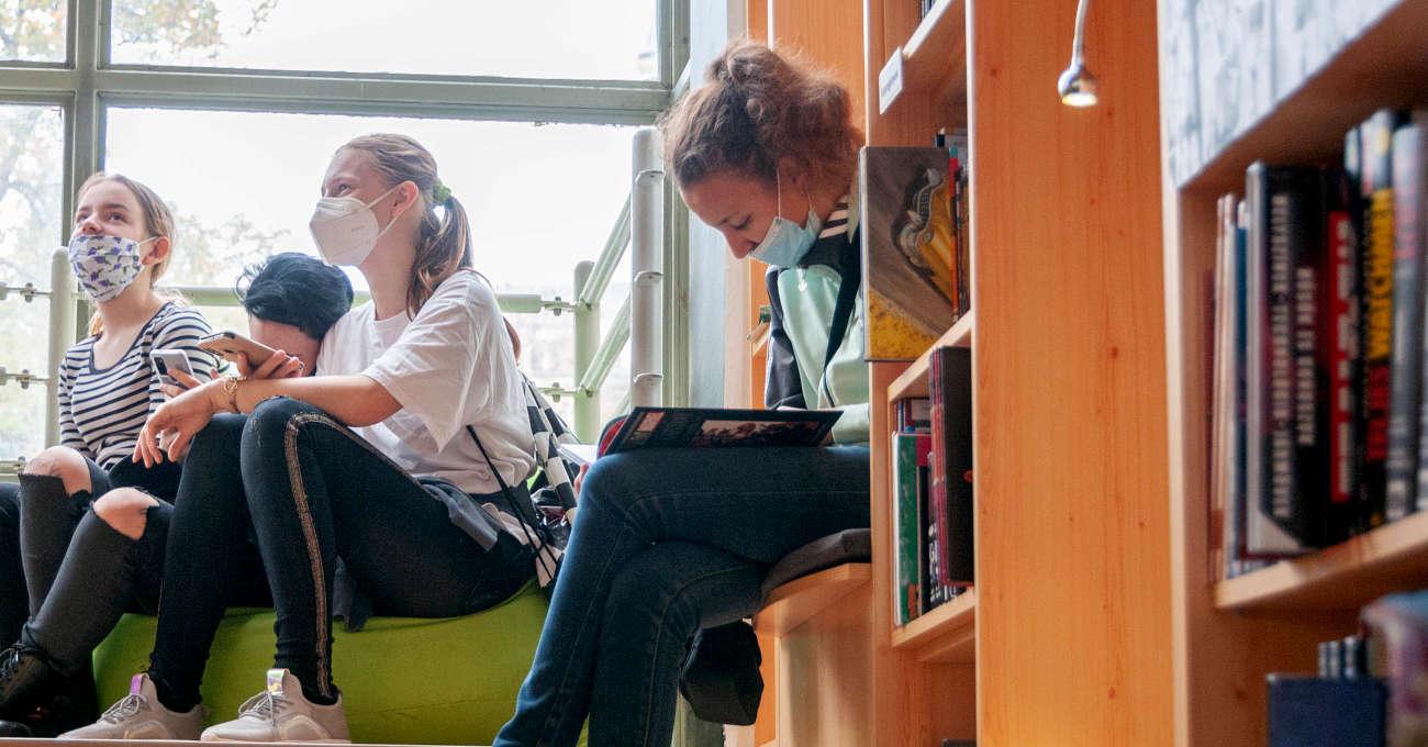 Digilépcső a könyvtárban